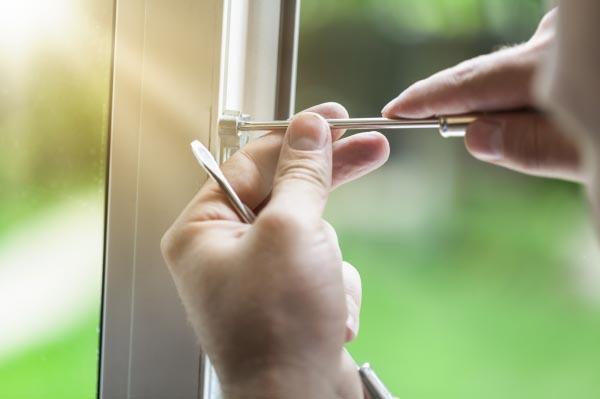 Fenster reparatur schnell und unkompliziert - Kunststoff fensterrahmen reparieren ...